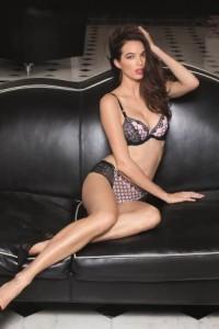 vendée mag lingerie femme lingerie la roche sur yon lise charmel collection j avoue rose et magenta 2