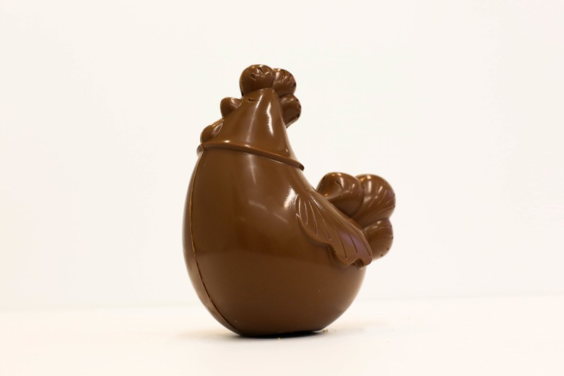 vendee mag chocolatier la roche sur yon arbre à sucre creation de paques 2016 brigitte la poule